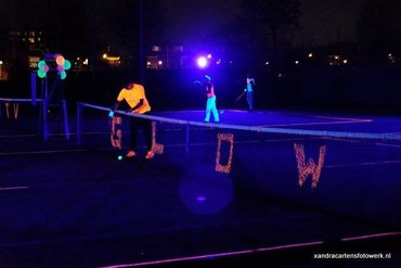 Blacklight tennis